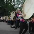 毎年8/15は大湯大太鼓まづりやるす。