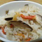 比内地鶏のスープでつぐった炊き込みご飯のもどもらったす。